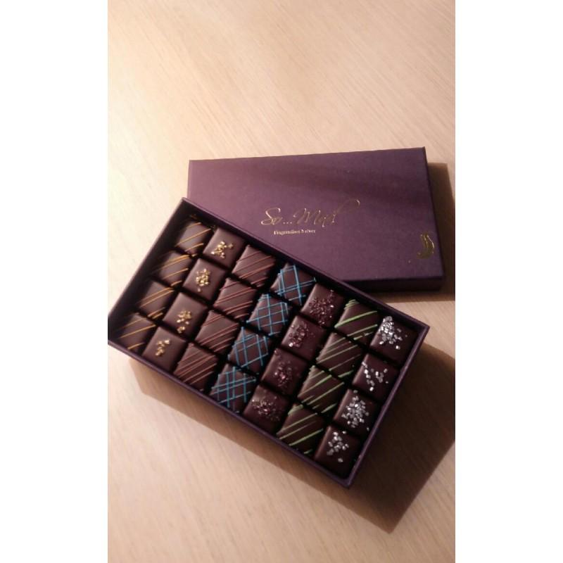 Sélection De Boîtes De Chocolats De Noël / Chocolat Coffret